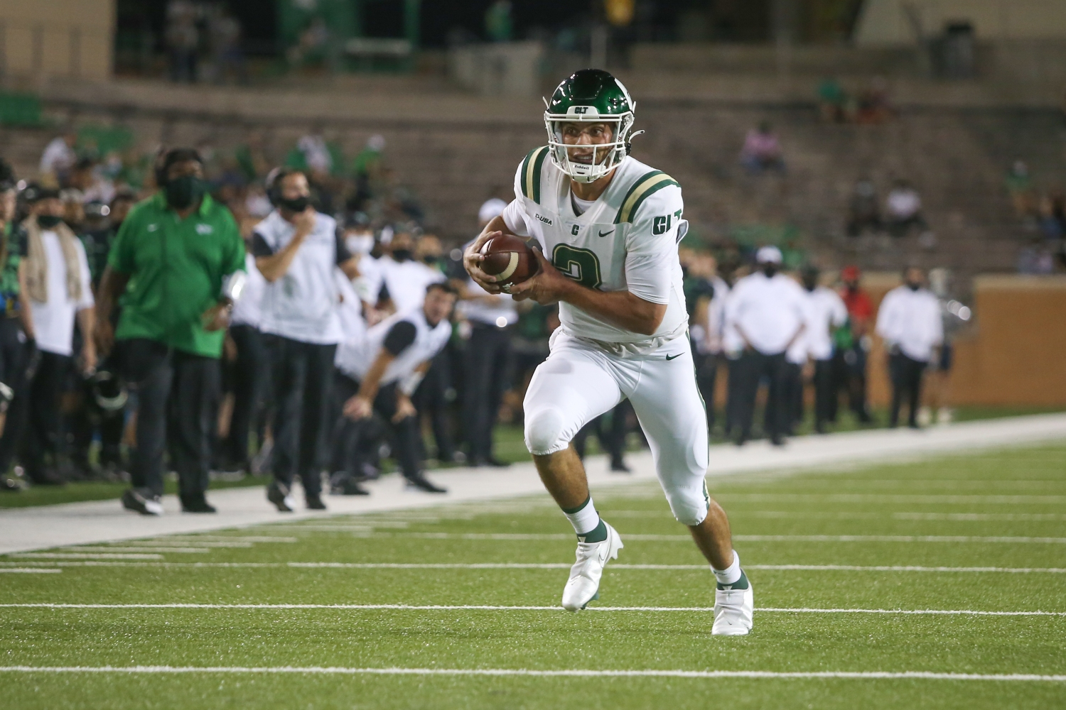 College Football Kicks Off On CBS Sports Network With Five Week 1 Matchups
